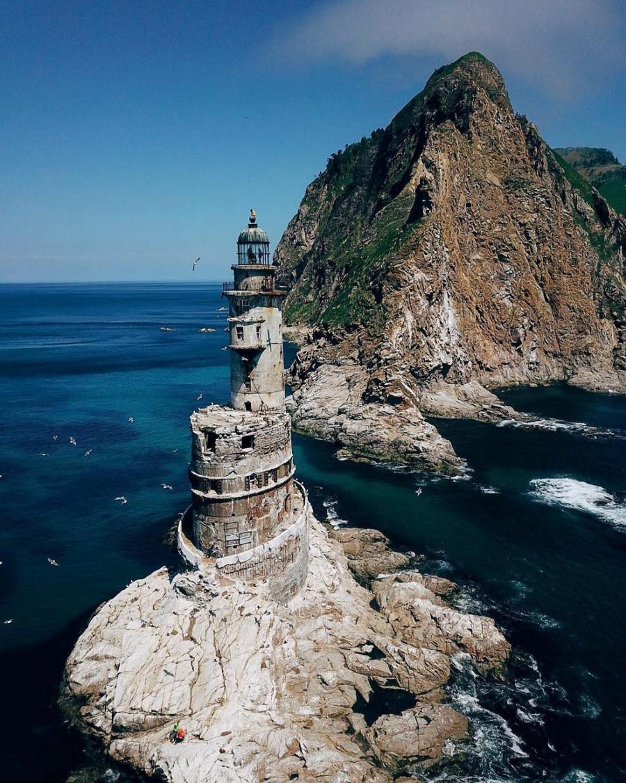 放棄されたアニワの原子力灯台、サハリン島