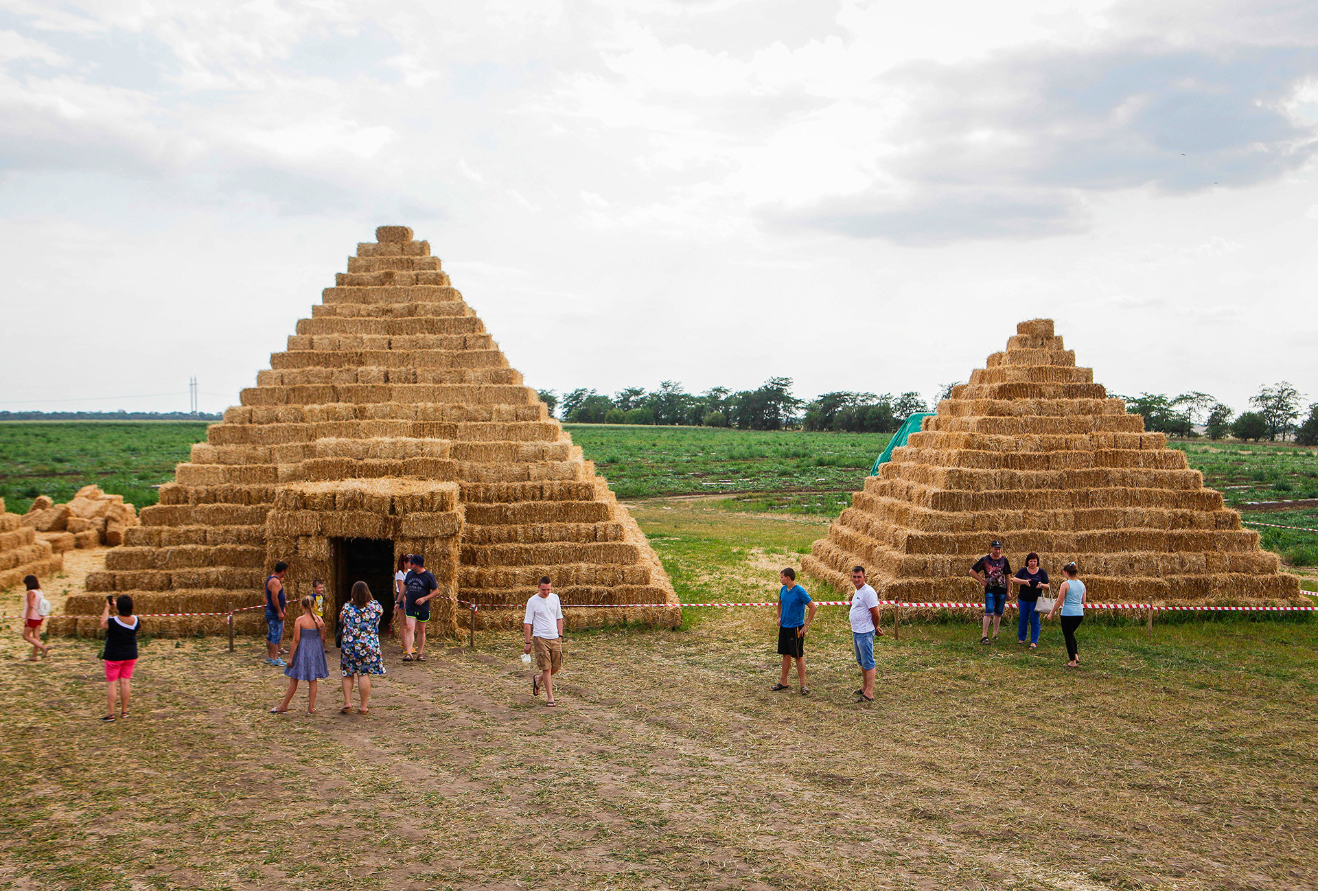 Egyptian pyramids out of hay