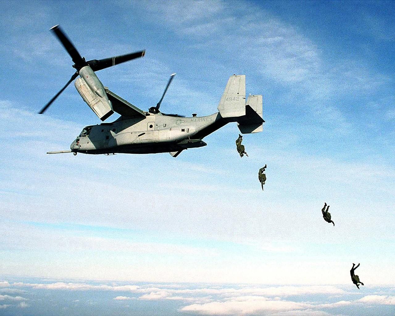 El V-22 Osprey estadounidense finalmente fue construido por las compañías de aviación Bell y Boeing.