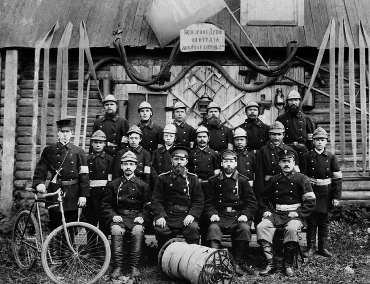 1907. Cuerpo de bomberos.
