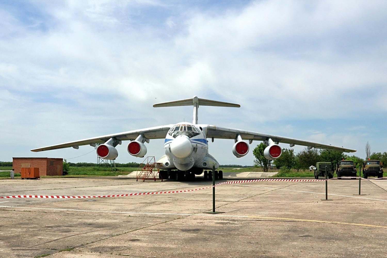 Летяща лаборатория А-60  на базата на Ил-76МД