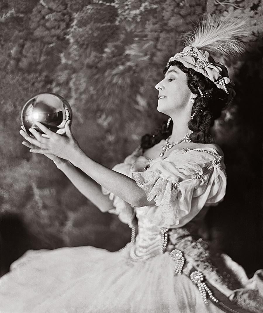 Mathilde Kschessinska nel ruolo di Artemis, 1912