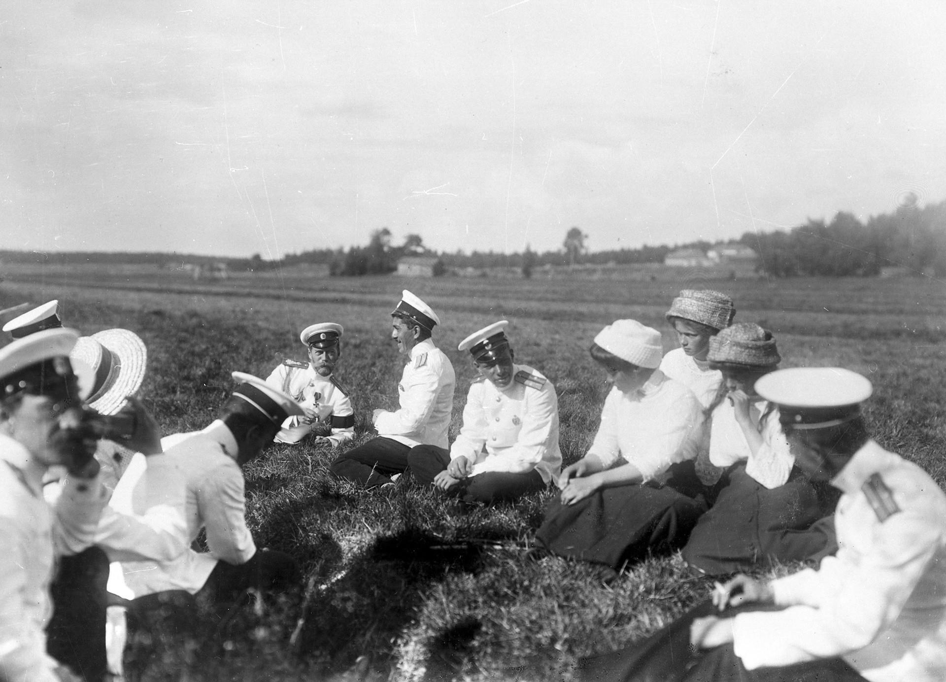 Descanso al aire libre. Escollos finlandeses, 1911.