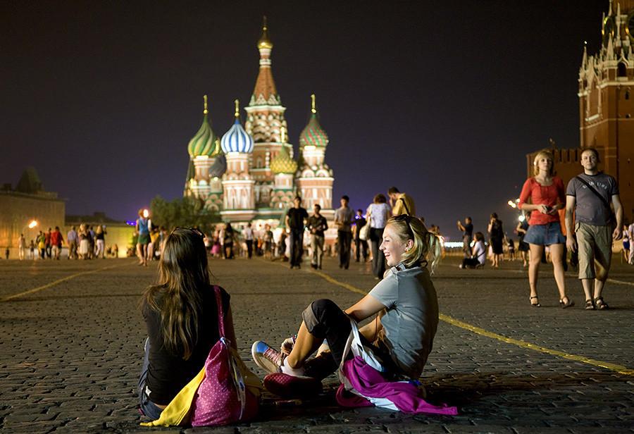 Правило шесть: настоящий москвич не пойдет гулять по Красной площади, а скорее посетит парк в своем районе.