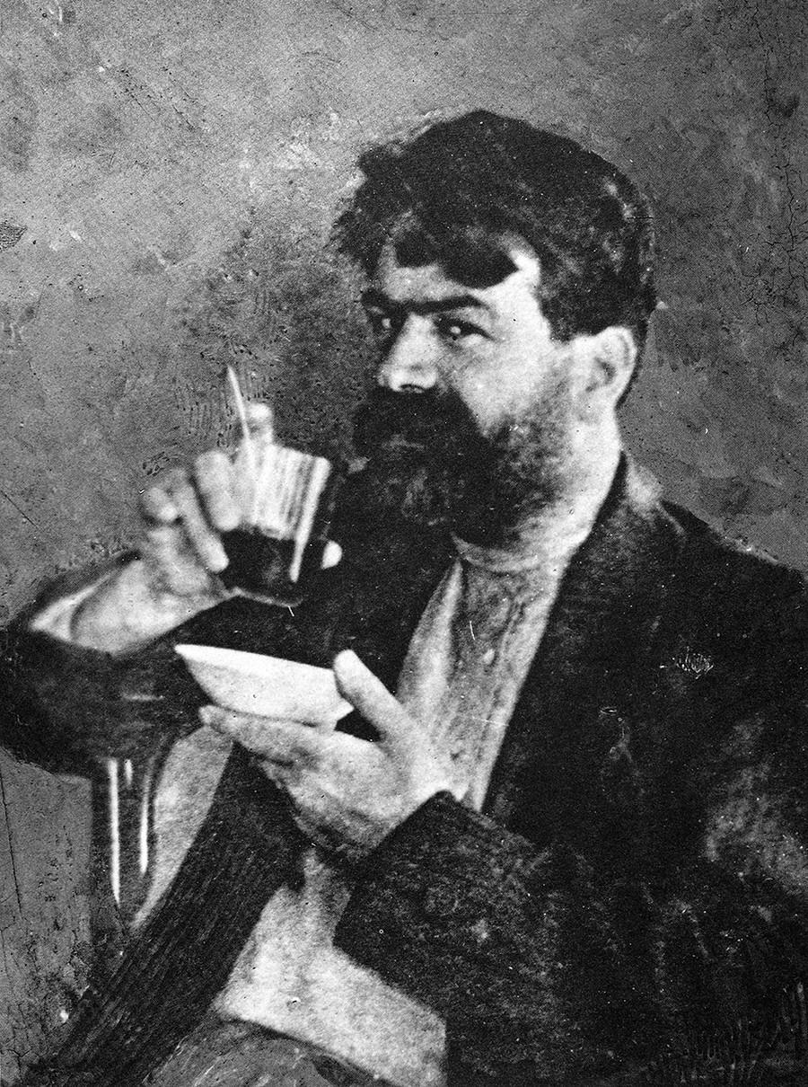 Jakov Jurovski, vodja strelskega voda, ki je usmrtil Nikolaja II. in njegovo družino