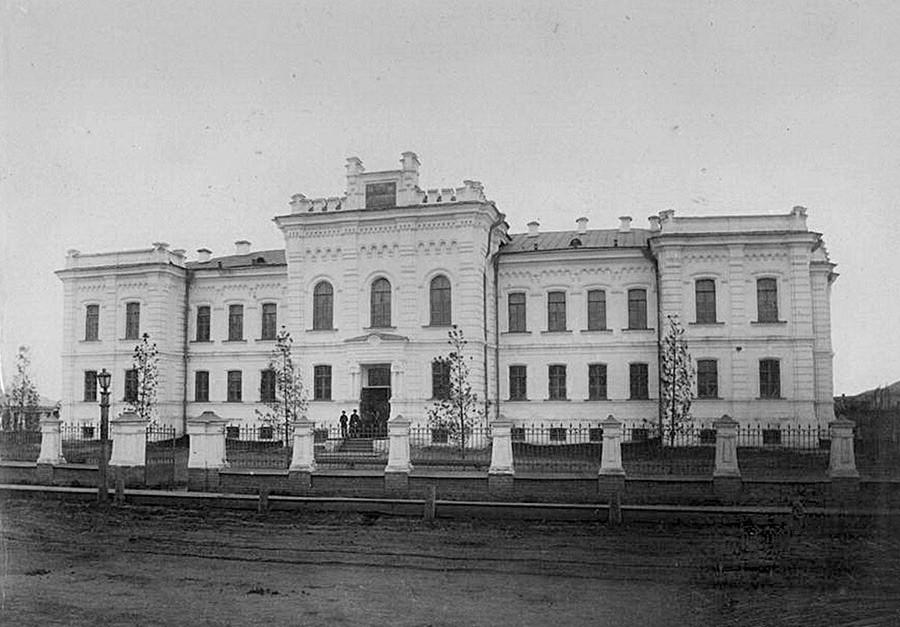 Das Gebäude in Tjumen, wo Lenins Leiche während des Krieges blieb.