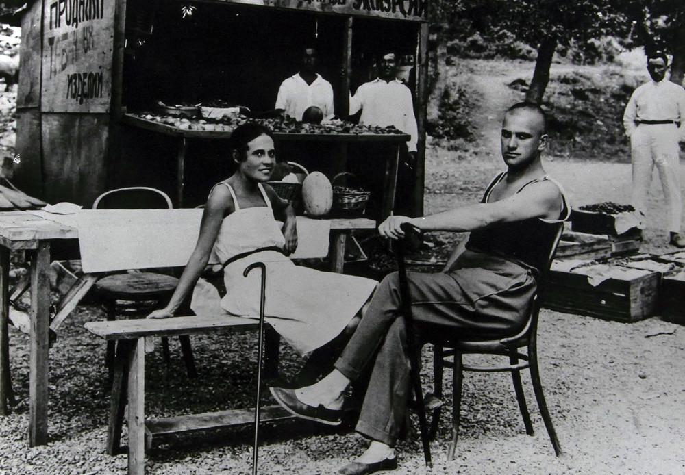 Majakovski z ljubeznijo svojega življenja Liljo Brik, Jalta, Krim, 1926