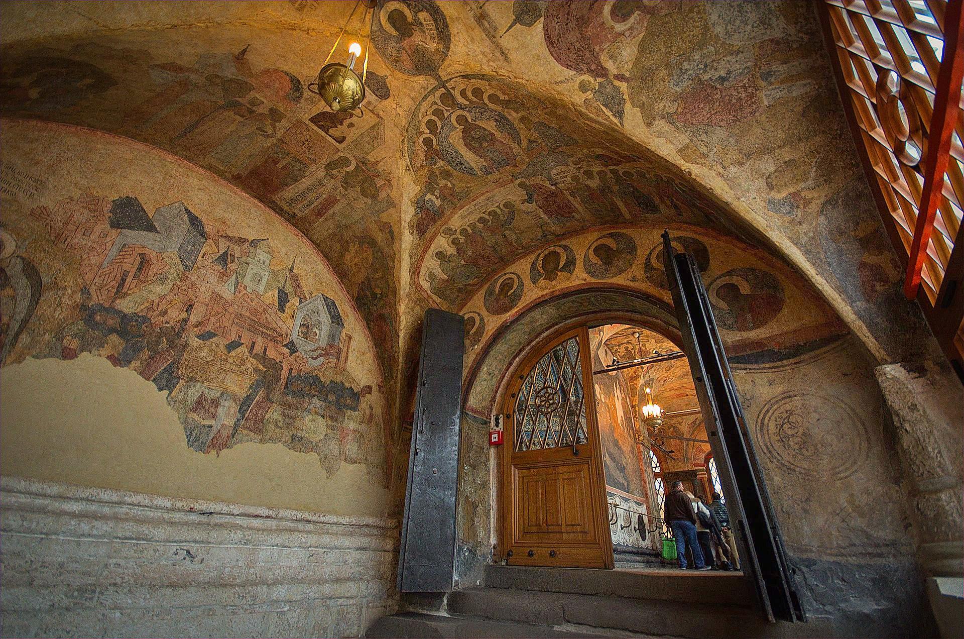 Afrescos da capela pessoal dos tsares.