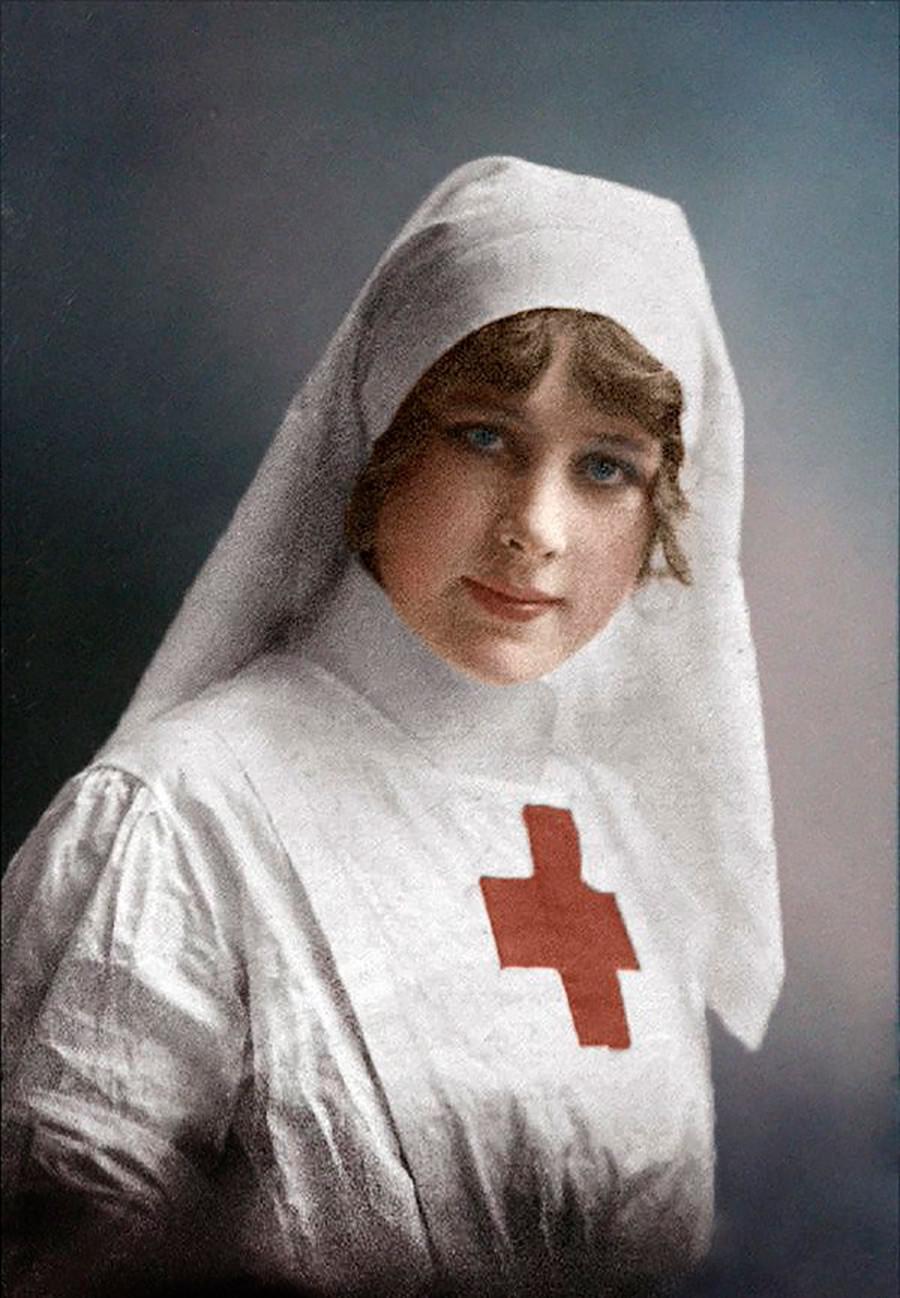 Открытка с красным крестом