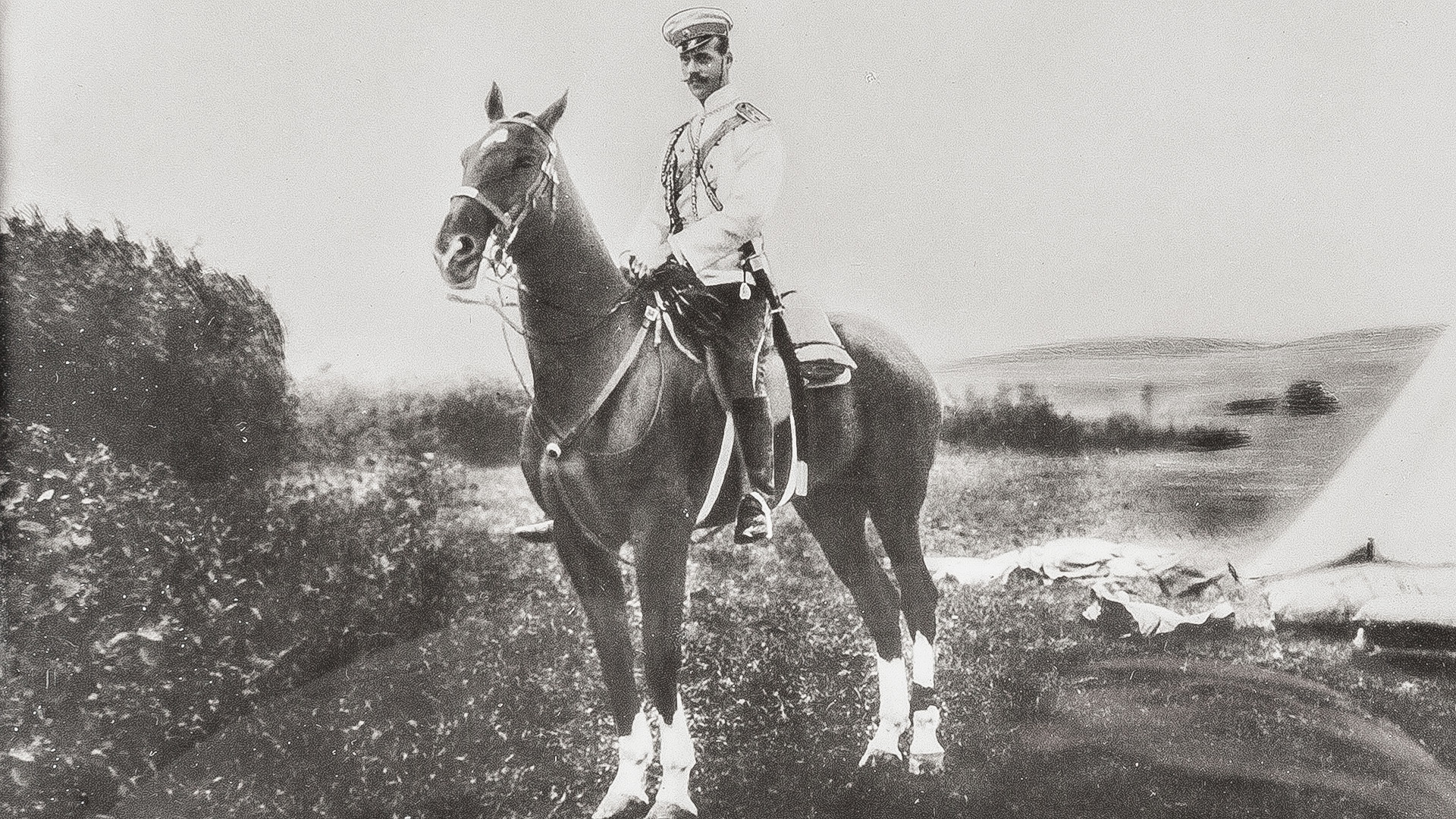 Велики кнез Михаил Александрович на коњу (1878-1918).