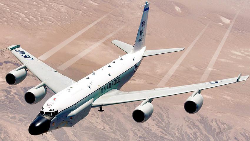 Американски разузнавателен самолет RC-135V