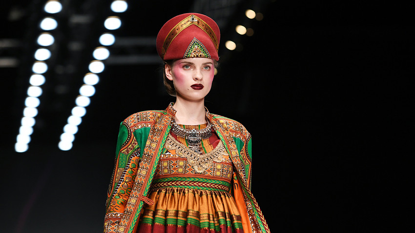 Slava Zajcev, modna revija ob Mercedes-Benz Fashion Week v Moskvi