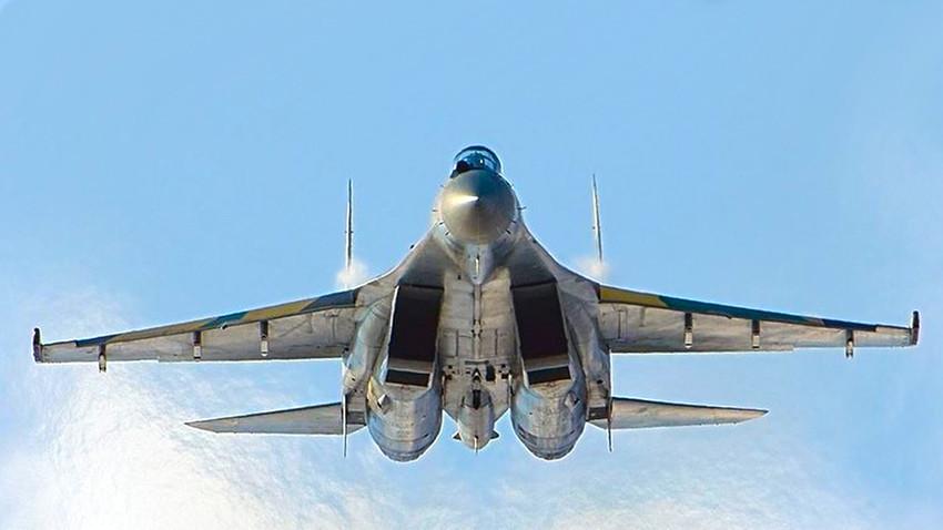 Lovački zrakoplov 4++ generacije Su-35.