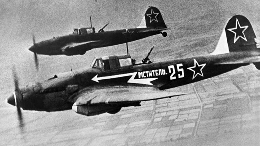 El avión Il-2 durante la Gran Guerra Patria, 1945.