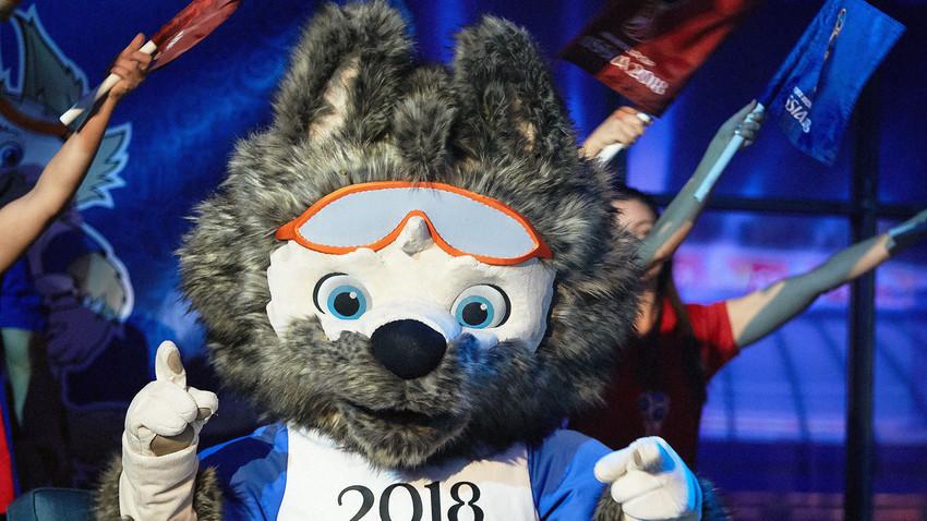 Serigala Zabivaka, maskot Piala Dunia 2018 di Rusia.