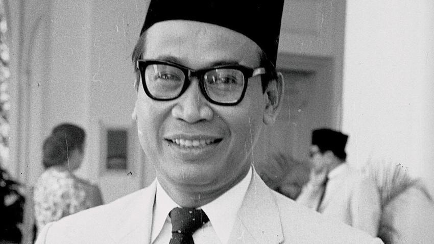 Subandrio (lahir di Kepanjen, Jawa Timur, 15 September 1914, meninggal di Jakarta, 3 Juli 2004 pada umur 89 tahun) adalah politikus Indonesia yang sangat berpengaruh pada masa pemerintahan Presiden Sukarno.