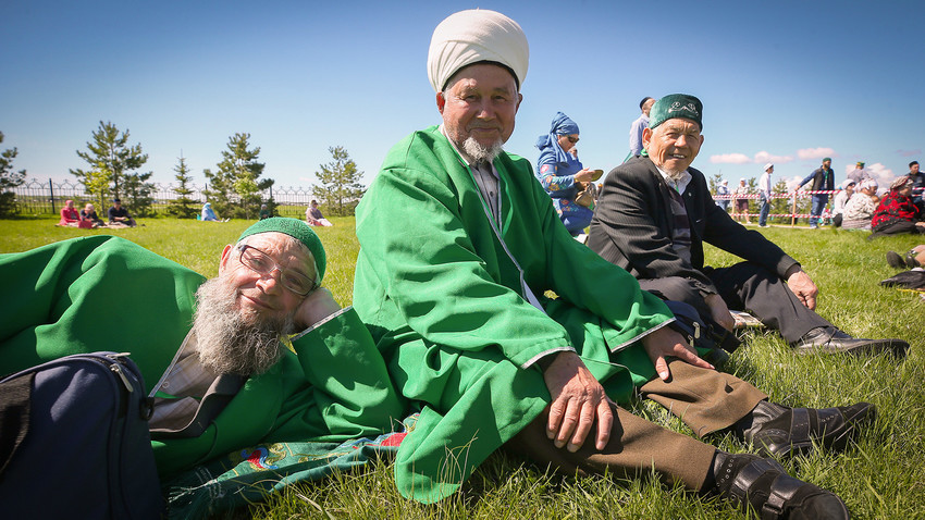 """Празникот """"Триумф на светиот Болгар"""" посветен на Денот на примањето на исламот во Волшка Булгарија."""