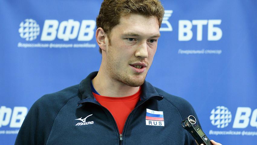 トレーニングセッションの前に行われた記者会見でのドミトリー・ムセルスキー選手