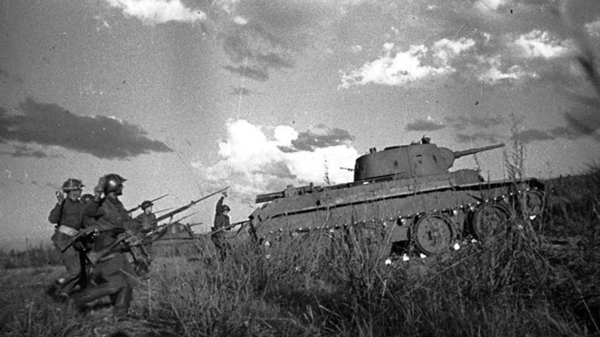 Ofensiva soviética durante la batalla de Jaljin-Gol.