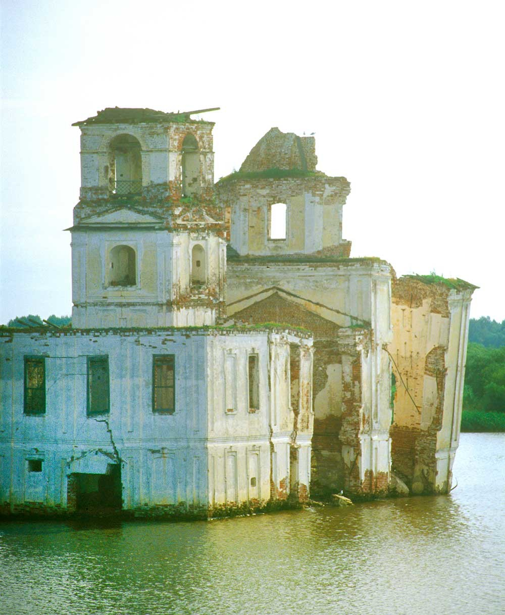 Krokhino. Church of the Nativity of Christ, southwest view from Sheksna River. July 14, 2007.
