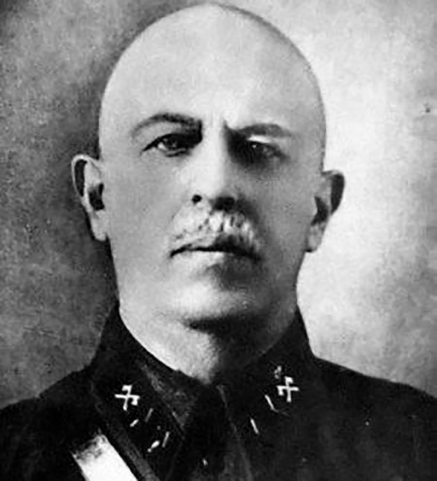 Serguéi Jmelkov.