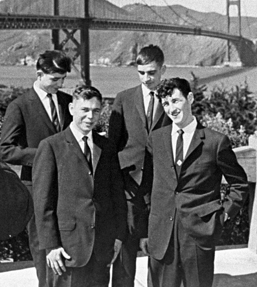 Štirje sovjetski mornarji, fotografirani po prihodu v San Francisco