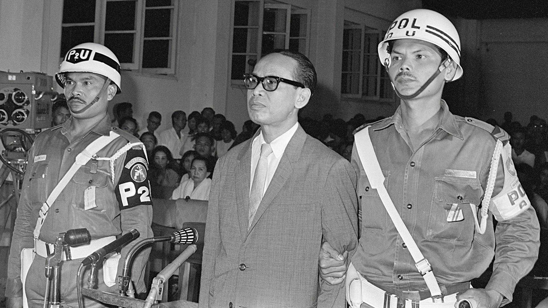 Subandrio terdiam begitu divonis hukuman mati oleh Mahkamah Militer Luar Biasa dengan dakwaan terlibat dalam Gerakan 30 September.