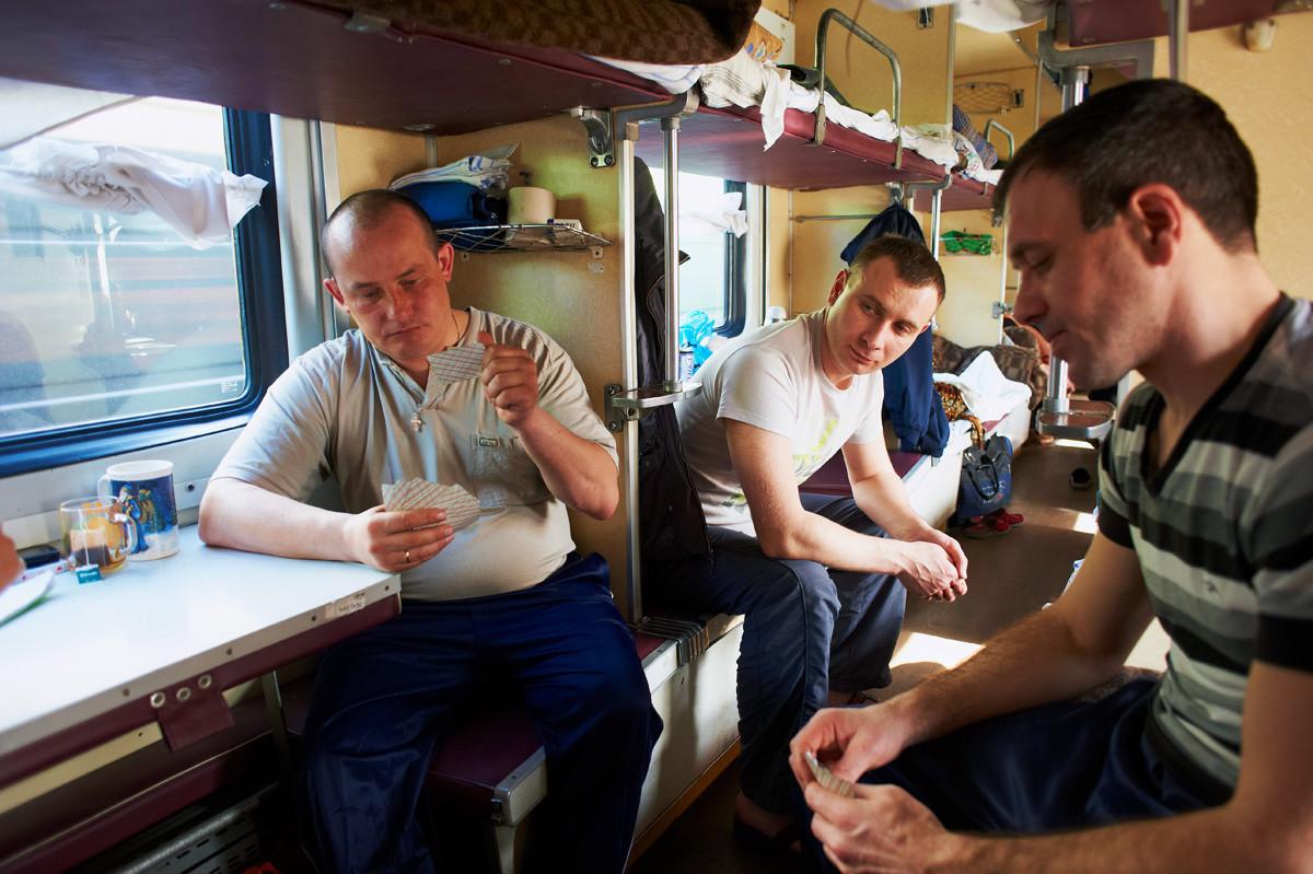 Običajni prizor na ruskem vlaku