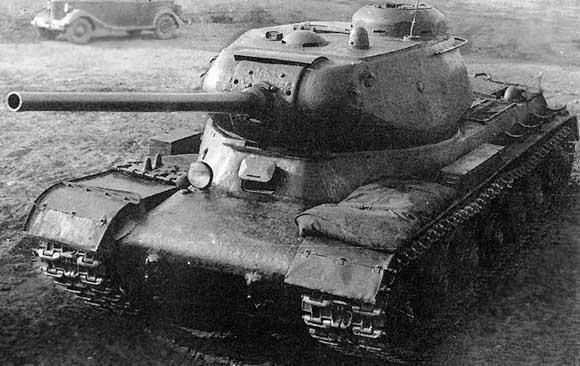 ИС-1 с оръдие Д-5 калибър 85мм