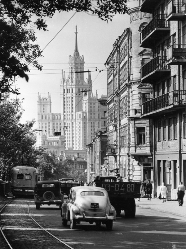 Le boulevard Iaouzski, Moscou, années 1950