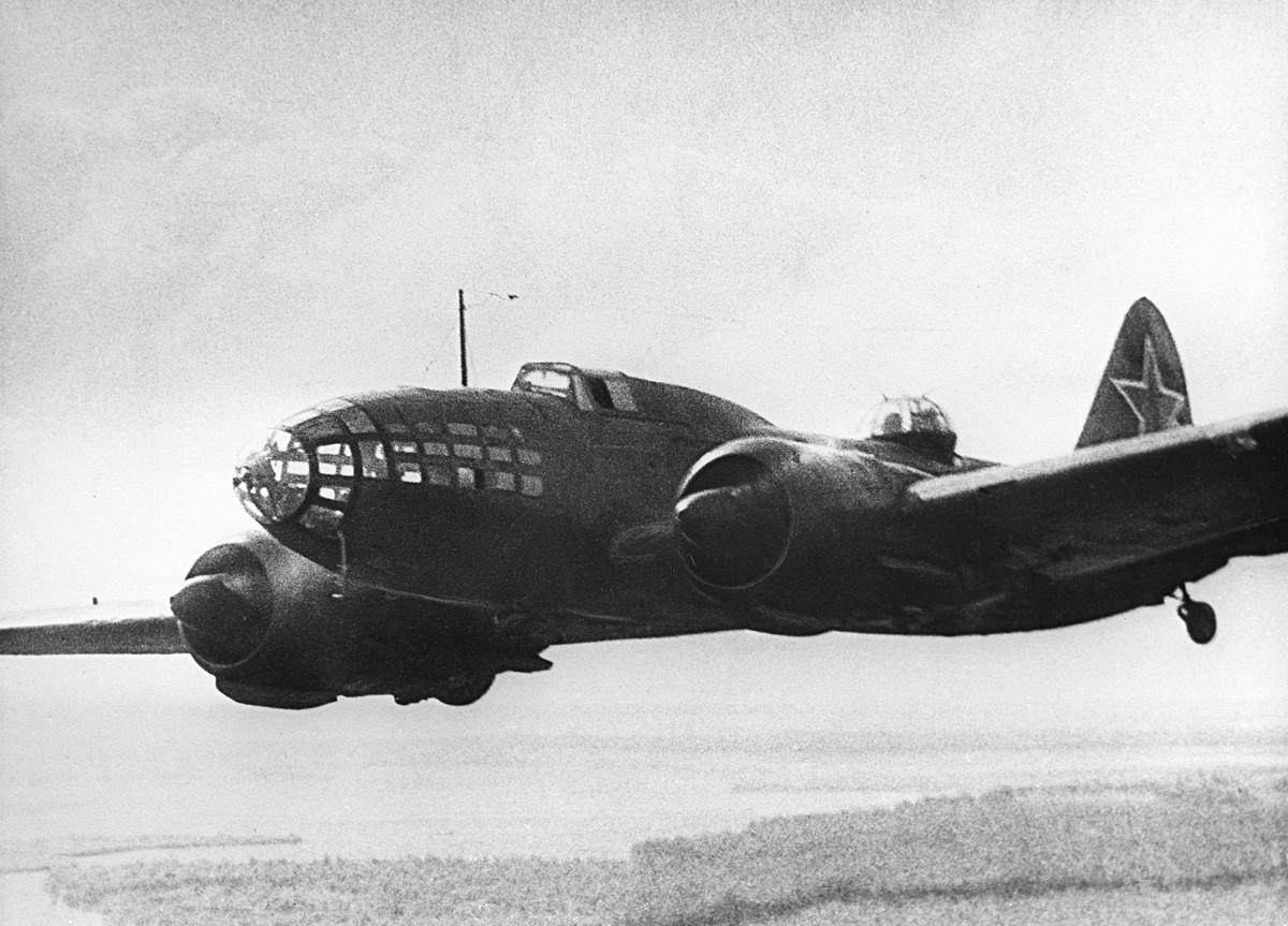 Стратегически бомбардировач Ил-4 проектиран от експерименталното конструкторско бюро 240 на Сергей Илюшин
