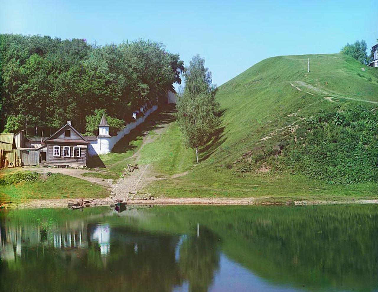 Vista do Mosteiro Borisoglebski, em Torjok