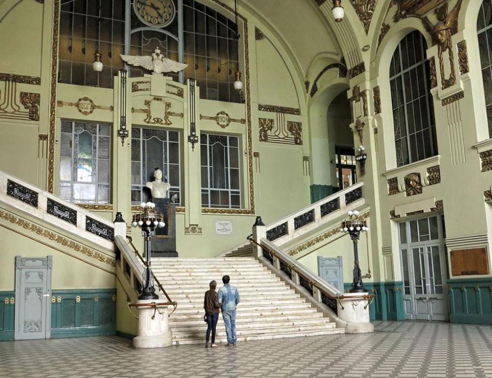 Un monument à Nicolas Ier à la gare de Moscou (ex-Nikolaïevski) à Saint-Pétersbourg
