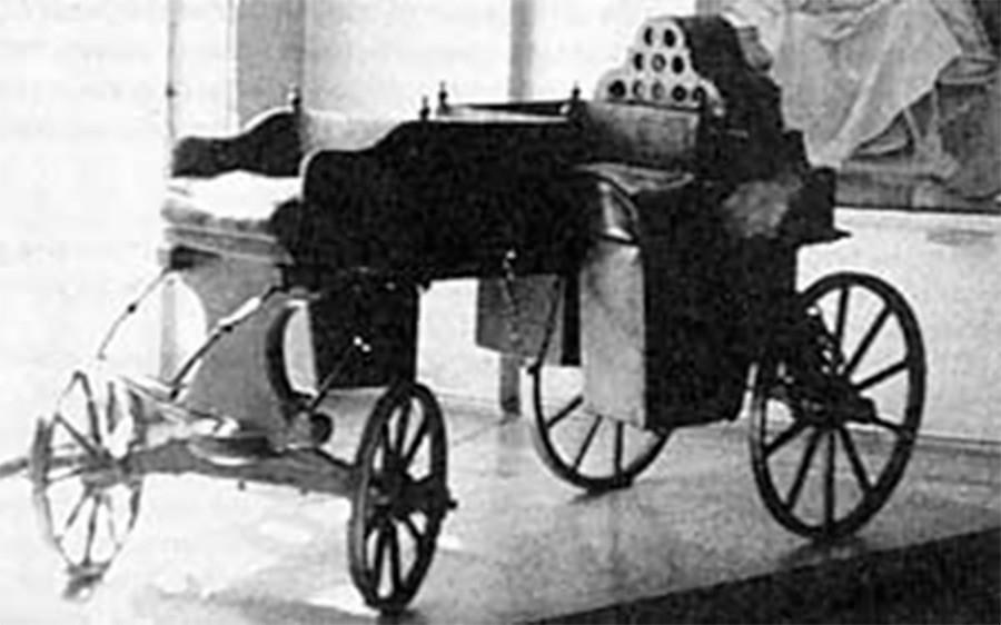 シャムシュレンコフが開発した自動馬車の復元れたもの