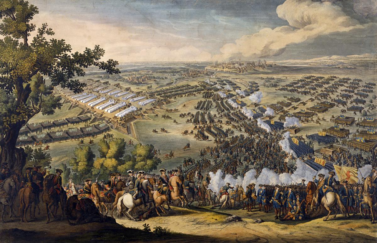 """27 јуни (8 јули) 1709 година се одиграла битката кај Полтава, најважниот судир од ткн. Северна војна (1700-1721) Гравура на Ф. Симон """"Полтавска битка"""". Според оригиналот на Д. Мартен. Прва четвртина на 19. век. Државниот историски музеј (Москва)."""