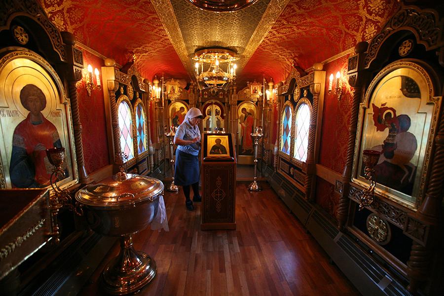 ノヴォシビルスク州を走る車両教会、伝道の列車「ロシアの精神的啓発のために」の一部。