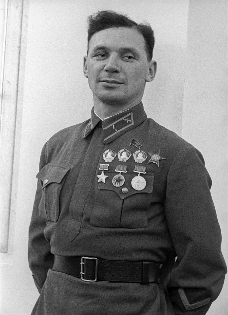 ソ連邦英雄、試験操縦士ウラジーミル・コッキナキ