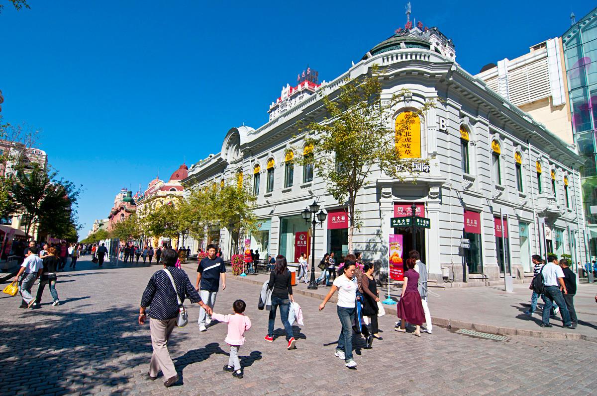 Главната улица в европейски стил в Даоли, Харбин