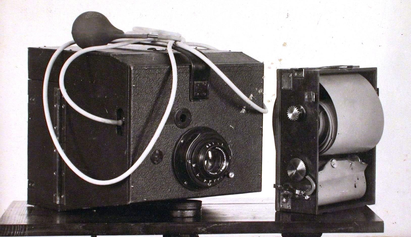 Cámara para fotografía aérea de Potte, 1913.