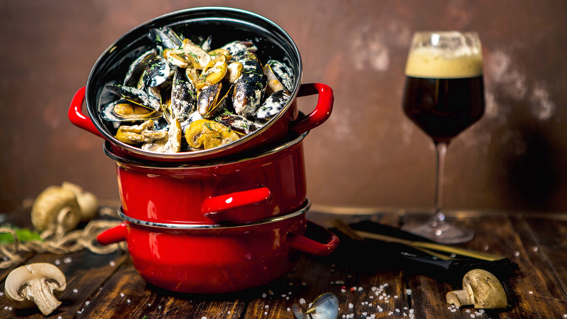 You'll find mussels in 33 different sauces in Mollusca