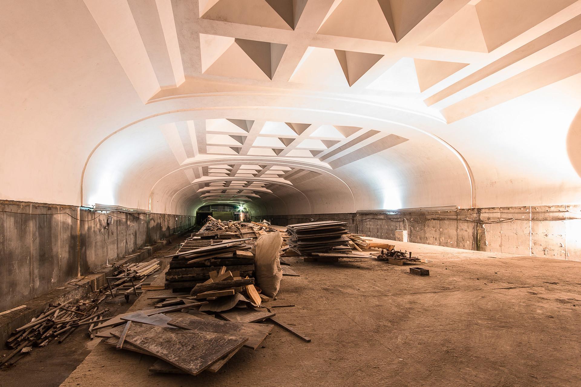 Une station du métro d'Omsk qui n'a jamais été ouverte (la ville a d'ailleurs abandonné son projet de se doter d'un métro).
