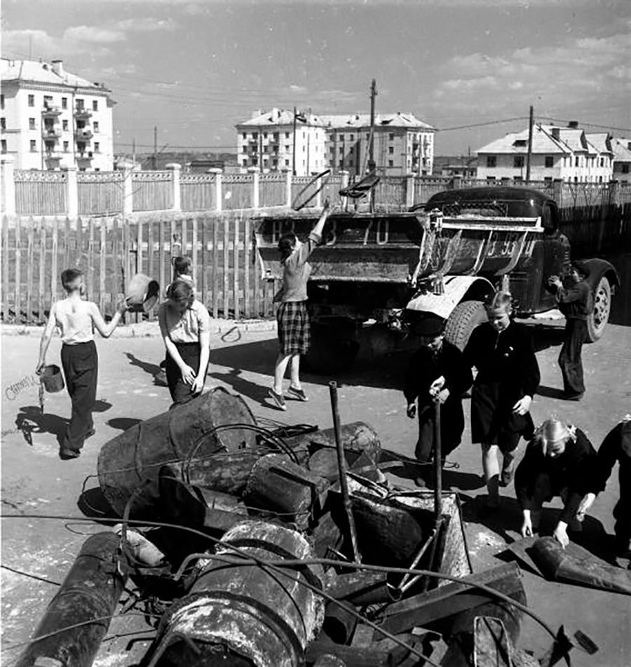 廃棄物の回収。1950年。