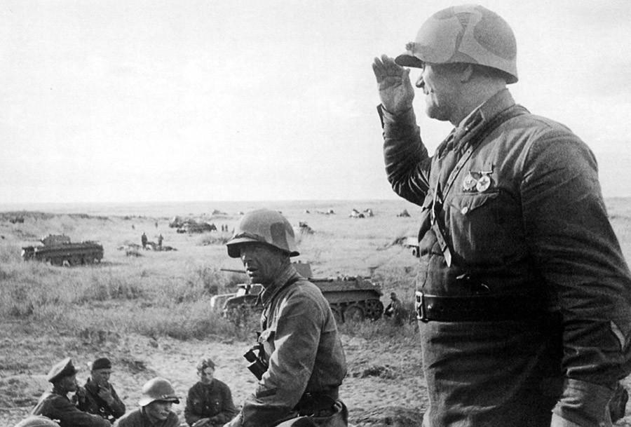 Tropas soviéticas antes del asalto.
