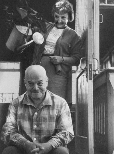 Víktor Chklóvski com a mulher, Serafima Suok.