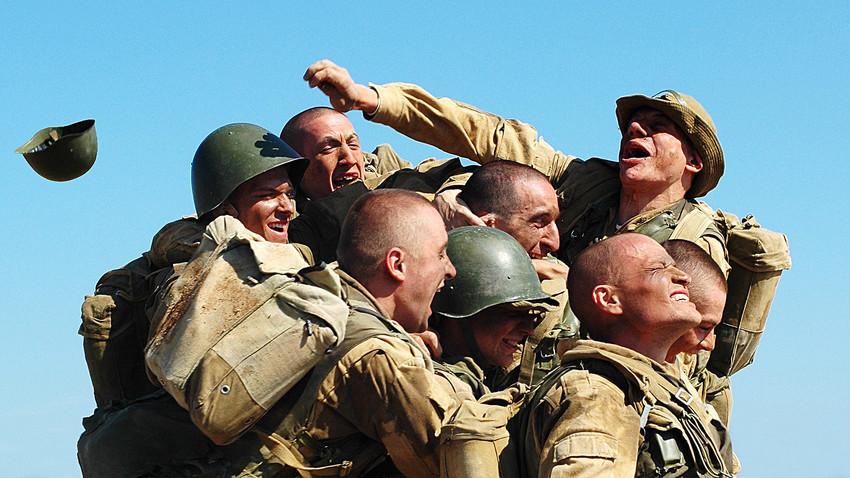 """Кадър от филма """"9 рота"""" (2005)"""