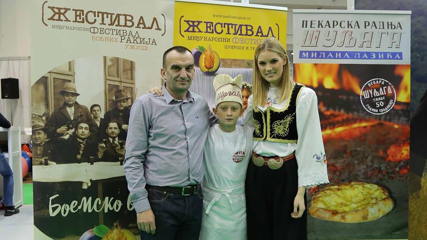 Драган Лазић и мајстор Ниђа звани Путин на фестивалу воћних ракија у Ужицу