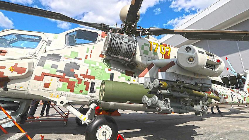 Ударниот хеликоптер Ми-28НЭ со систем за заштита против надворешни нечистотии