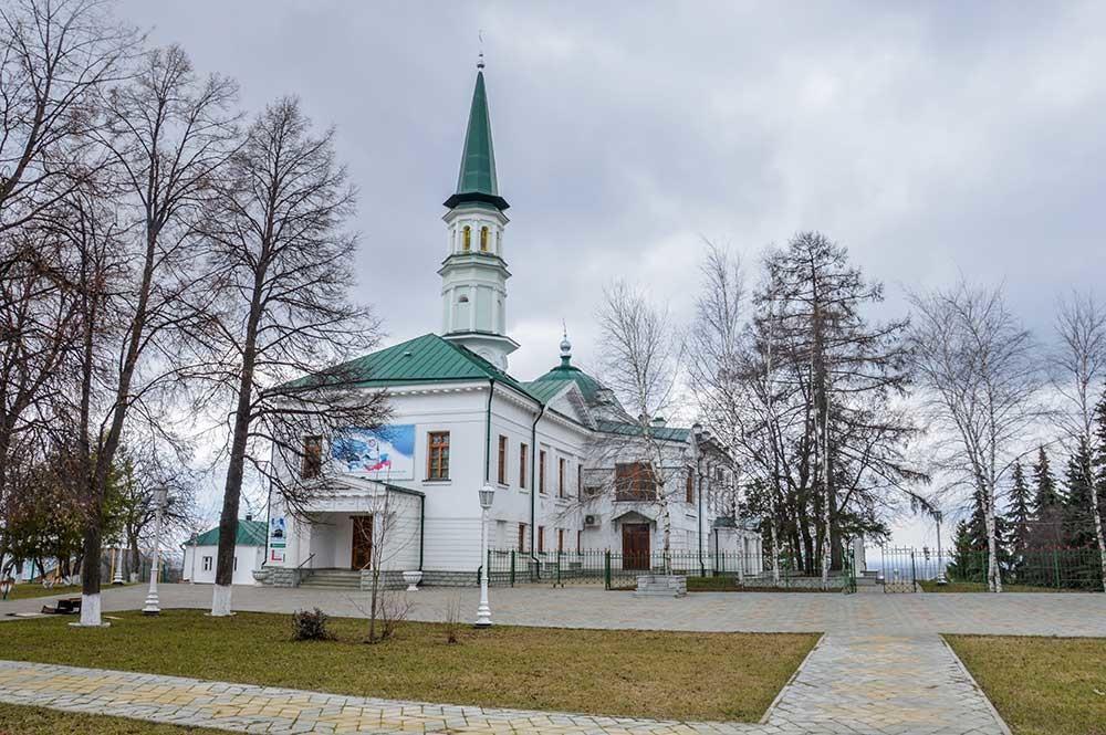 Masjid Tukayev.