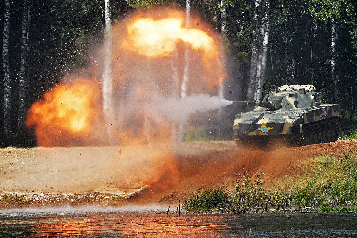 A Sprut SD air-portable self-propelled tank destroyer is seen here during a dynamic presentation program in the water cluster at the 4th international military technical forum Army 2018, Kubinka.
