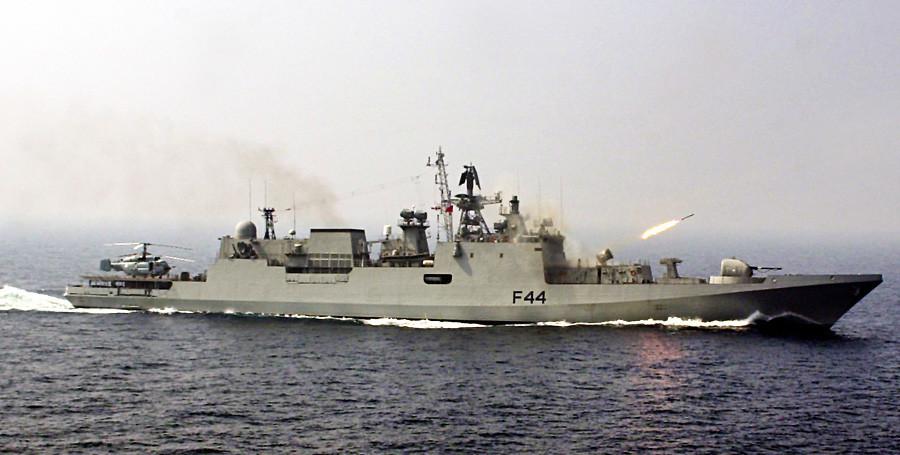 Fregate modela Talvar iz projekta 1135.6.
